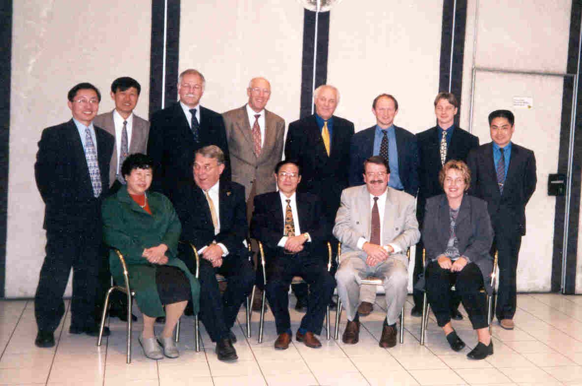 The Chinese and Dutch delegation at the trad mission in 2000